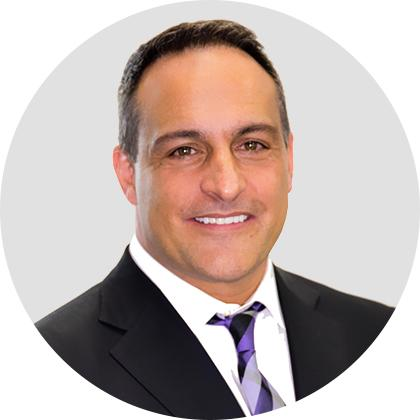 Picture of cosmetic surgeon Dr. Craig Jonov