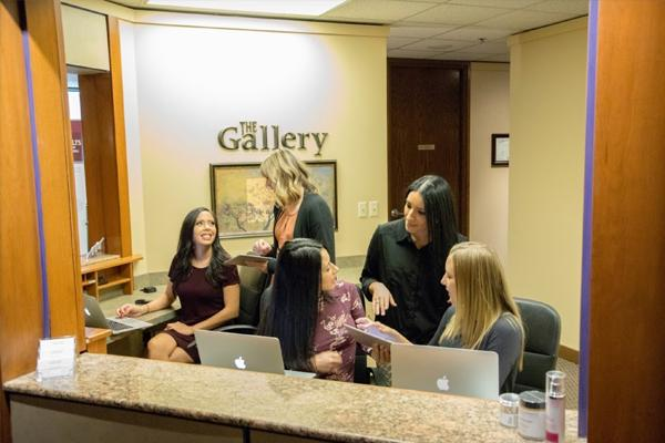 gallery-front-desk
